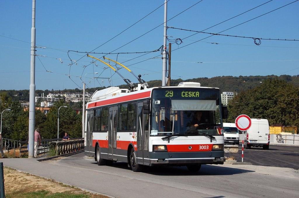 Fotogalerie » Škoda 21Tr 3003 | Brno | Žabovřesky | náměstí Svornosti