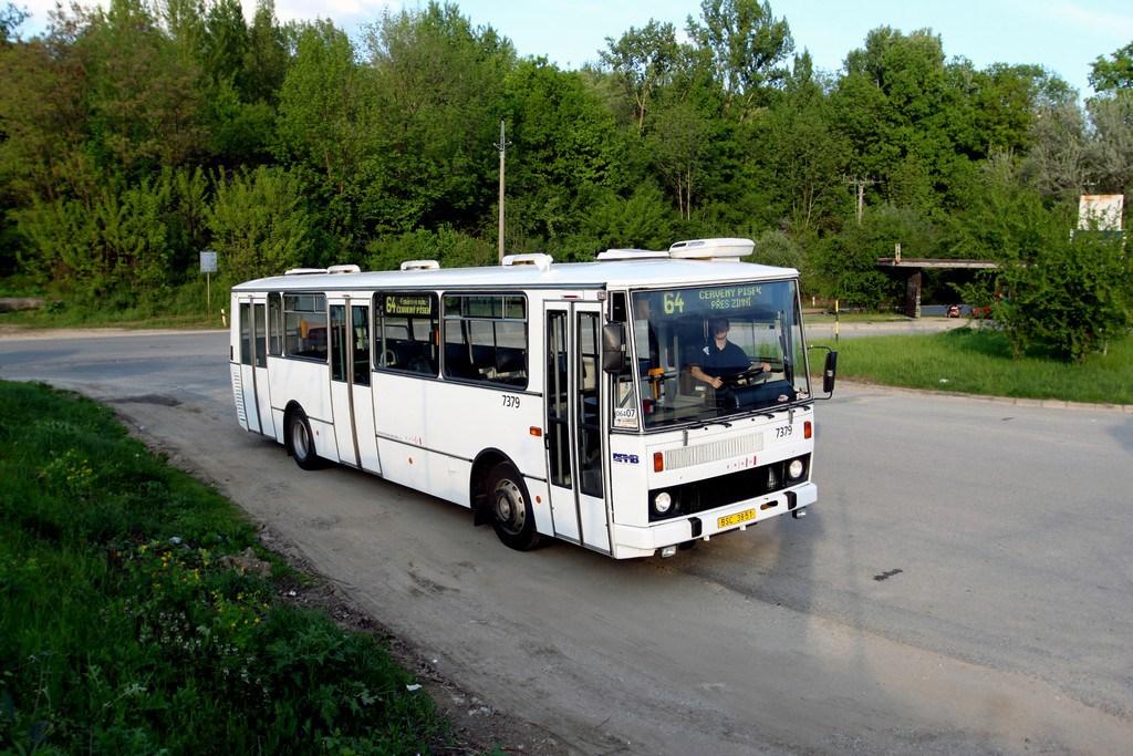 Fotogalerie » Karosa B732.1654.3 7379 | Brno | Černovice | Vinohradská | Staré Černovice