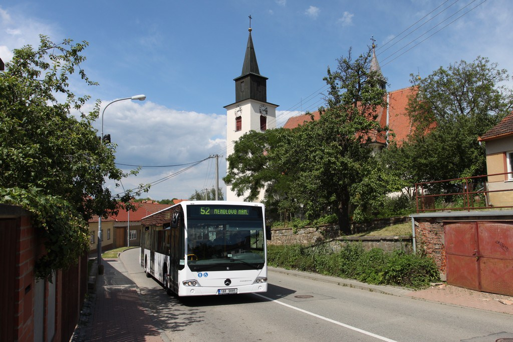 Fotogalerie » Mercedes-Benz Conecto 12M 1AR 9885 2713   Brno   Žebětín   Dlážděná