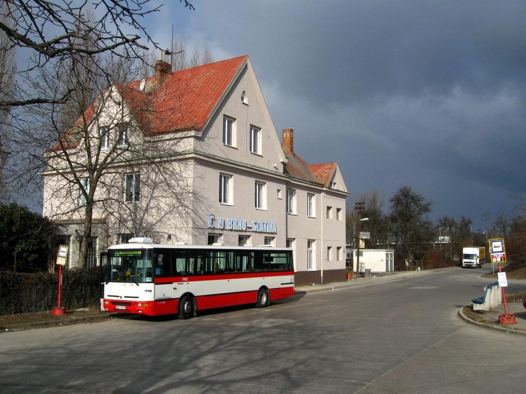 Fotogalerie » Karosa B951E.1713 7482 | Brno | Slatina | Drážní | Slatina, nádraží