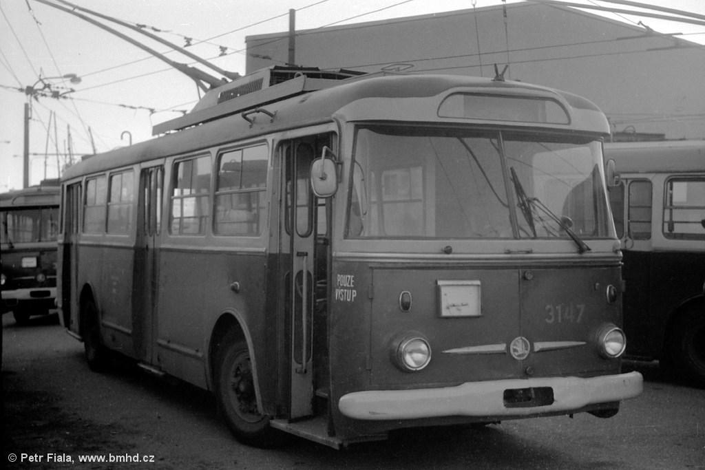 Fotogalerie » Škoda 9TrHT28 3147 | Brno | Vozovna Slatina