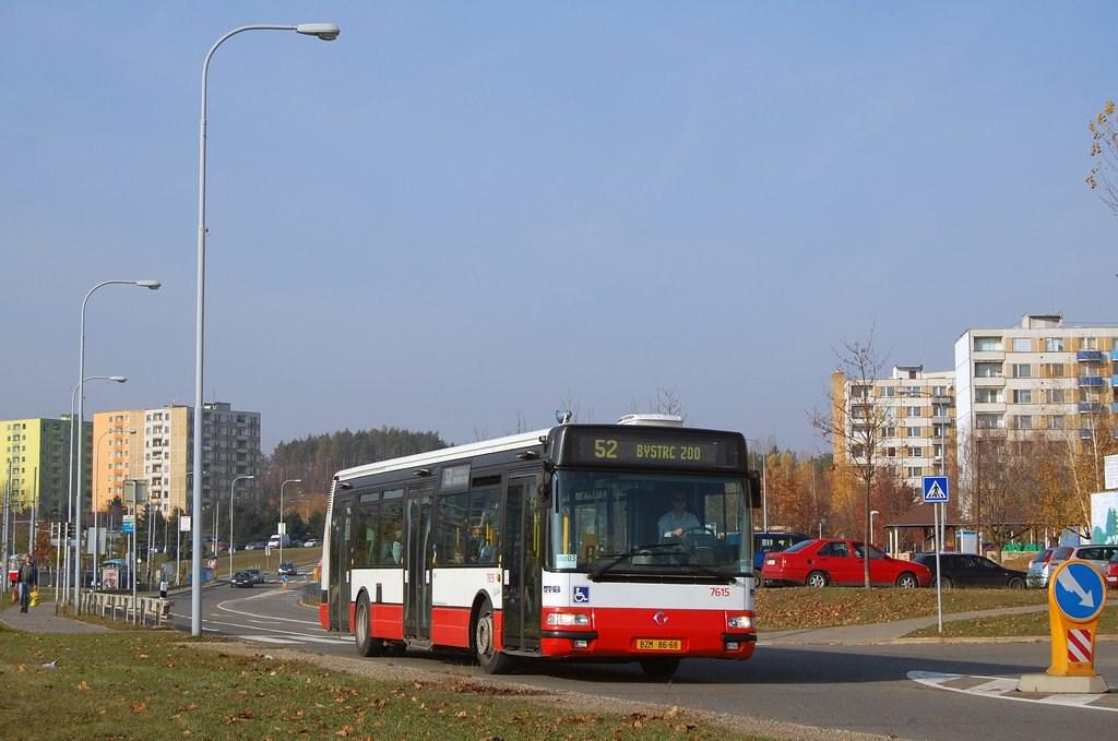 Fotogalerie » Irisbus Citybus 12M 2071.30 7615 | Brno | Bystrc | Vejrostova