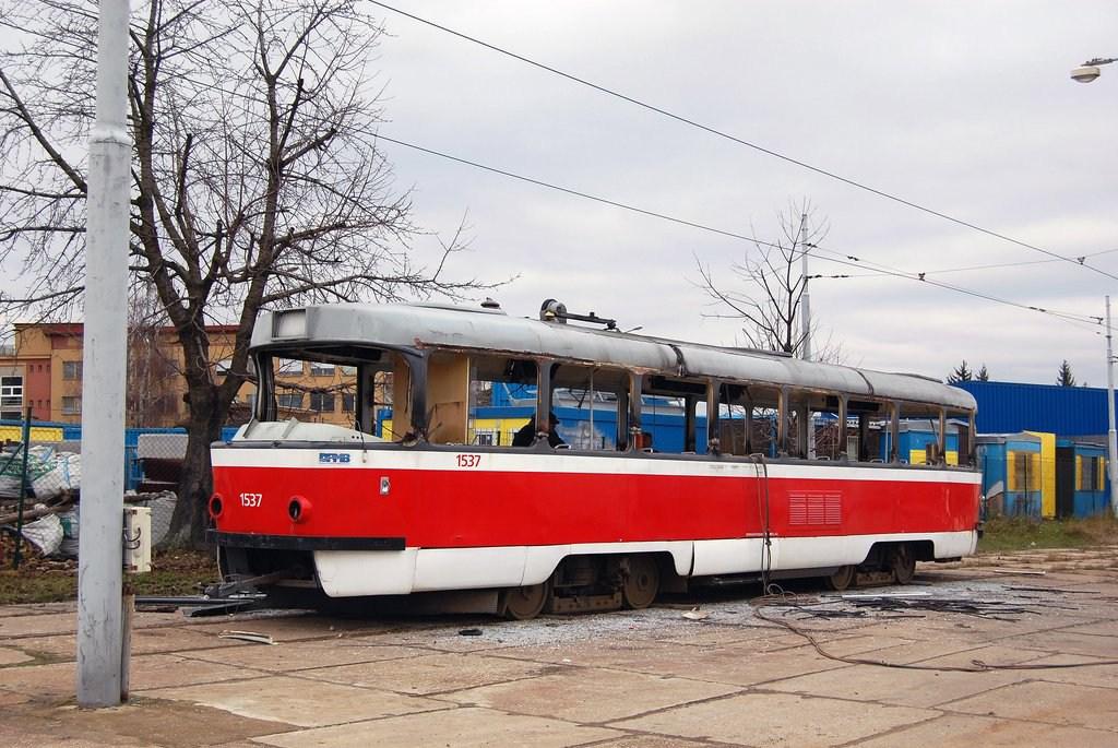 Fotogalerie » ČKD Tatra T3 1537 | Brno | vozovna Medlánky