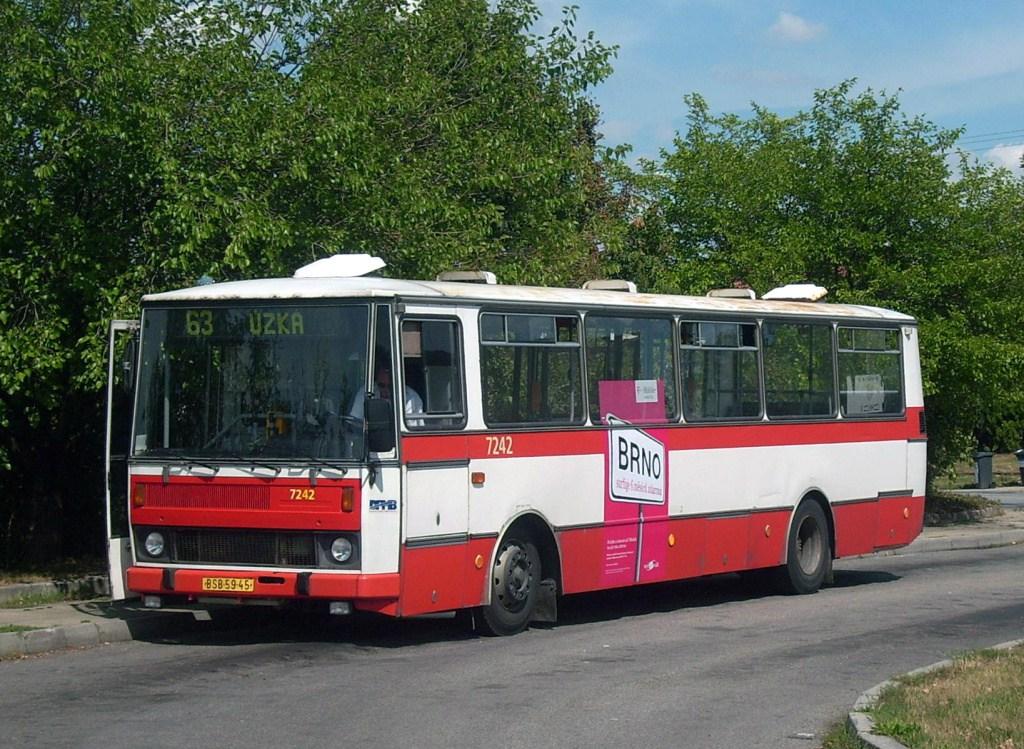 Fotogalerie » Karosa B732.20 7242 | Brno | Chrlice | Chrlice, smyčka