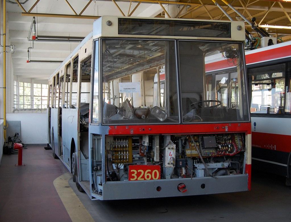 Fotogalerie » Škoda 14Tr14 3260 | Brno | Komín | vozovna Komín