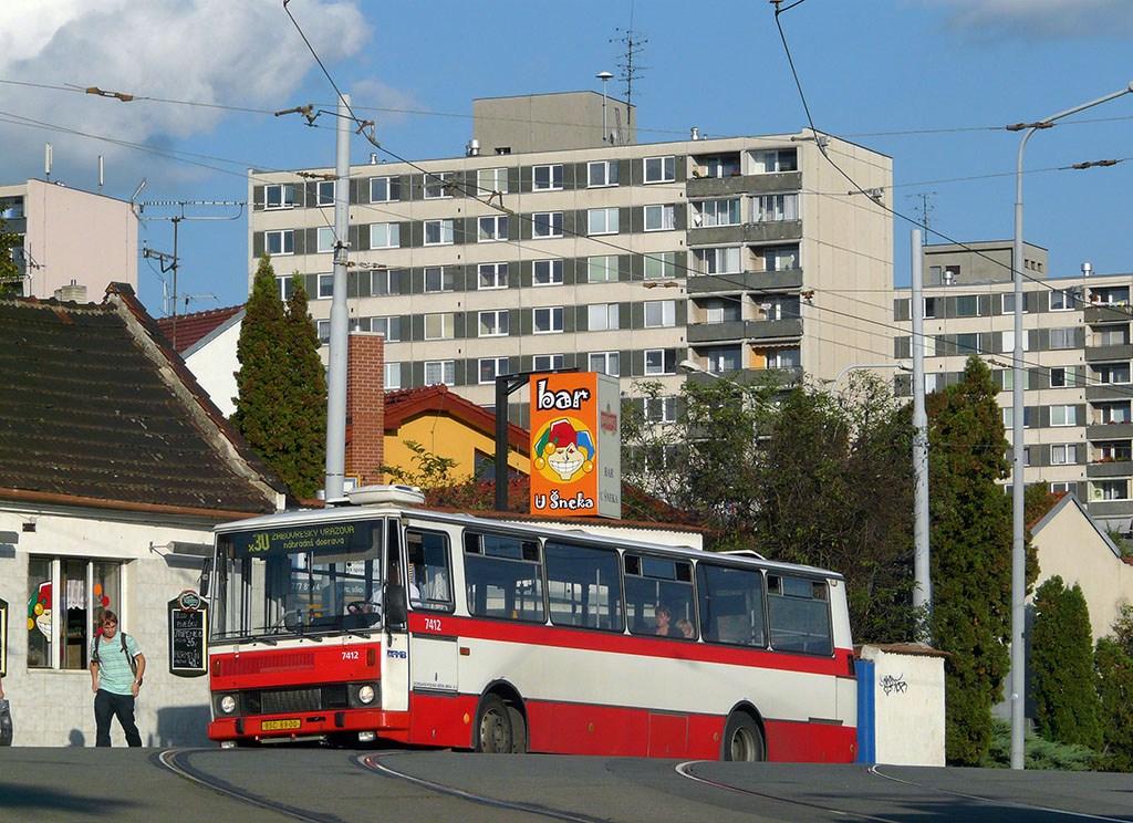 Fotogalerie » Karosa B731.1669 7412 | Brno | Žabovřesky | Rosického náměstí | Rosického náměstí