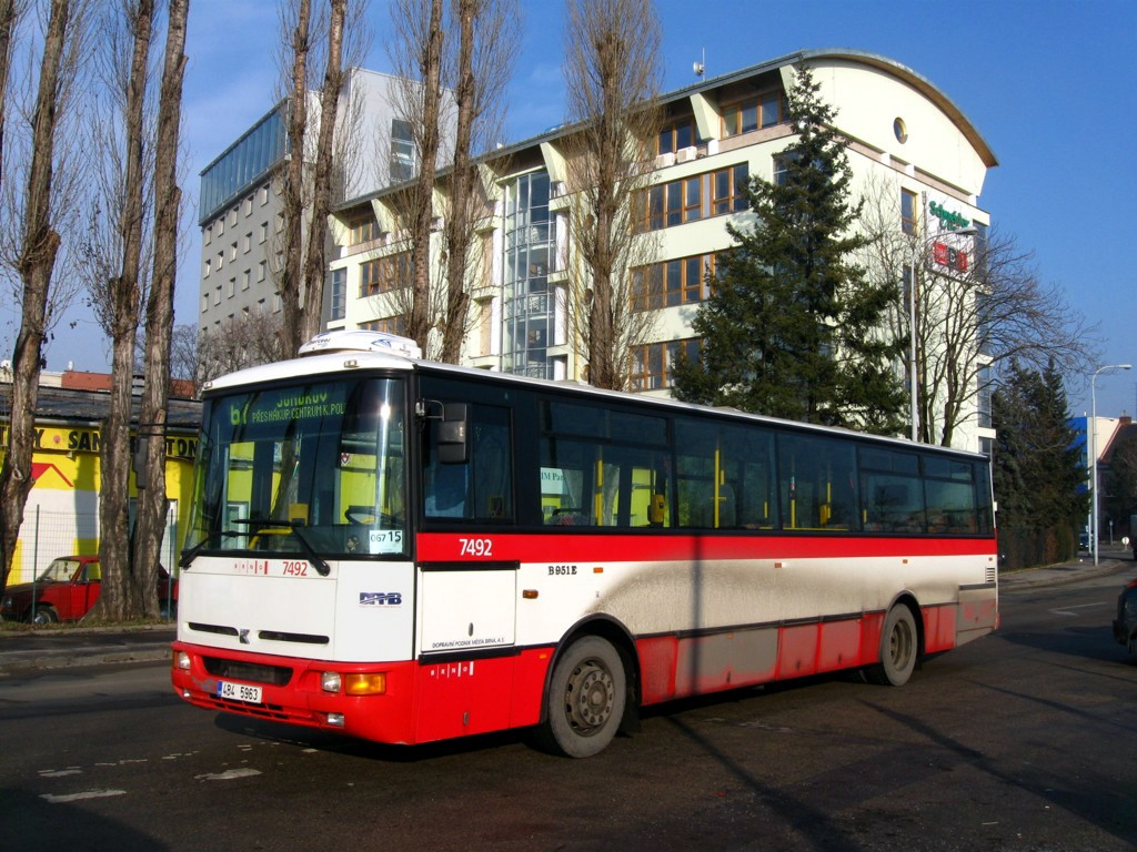 Fotogalerie » Karosa B951E.1713 4B4 5963 7492 | Brno | Trnitá | Zvonařka