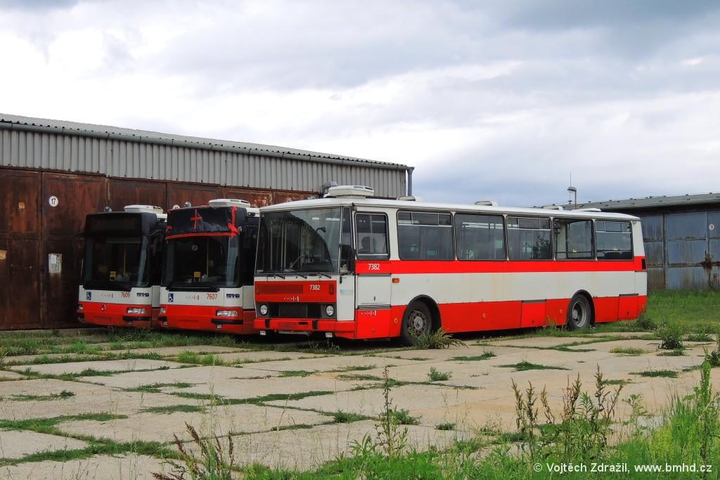 Fotogalerie » Karosa B732.1654.3 BSC 39-54 7382 | Irisbus Citybus 12M 2071.20 BZM 72-37 7607 | Irisbus Citybus 12M 2071.20 BZM 72-39 7609 | Brno | Řečkovice | TMB Řečkovice