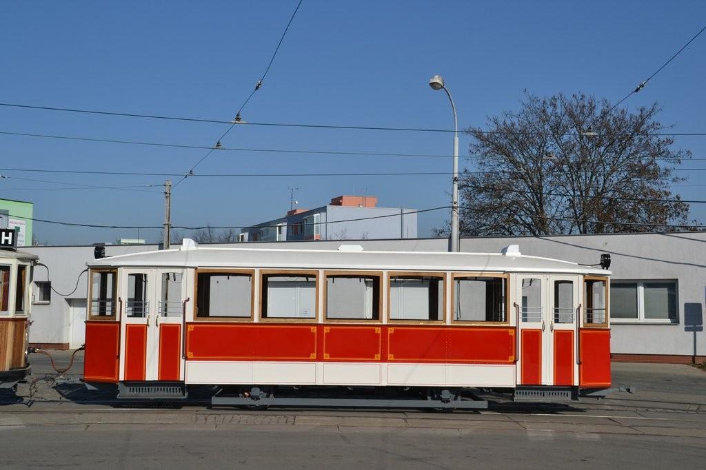 Fotogalerie » Ringhoffer vv2.ringh 215 | Brno | vozovna Medlánky