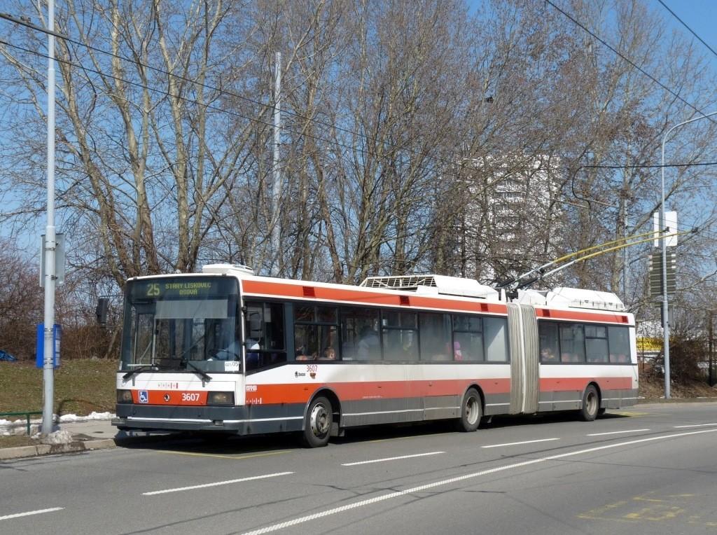 Fotogalerie » Škoda 22Tr 3607 | Brno | Starý Lískovec | Osová | Pod Nemocnicí