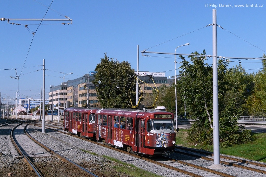 Fotogalerie » ČKD Tatra T3G 1609 | ČKD Tatra T3G 1621 | Brno | Štýřice | Vídeňská