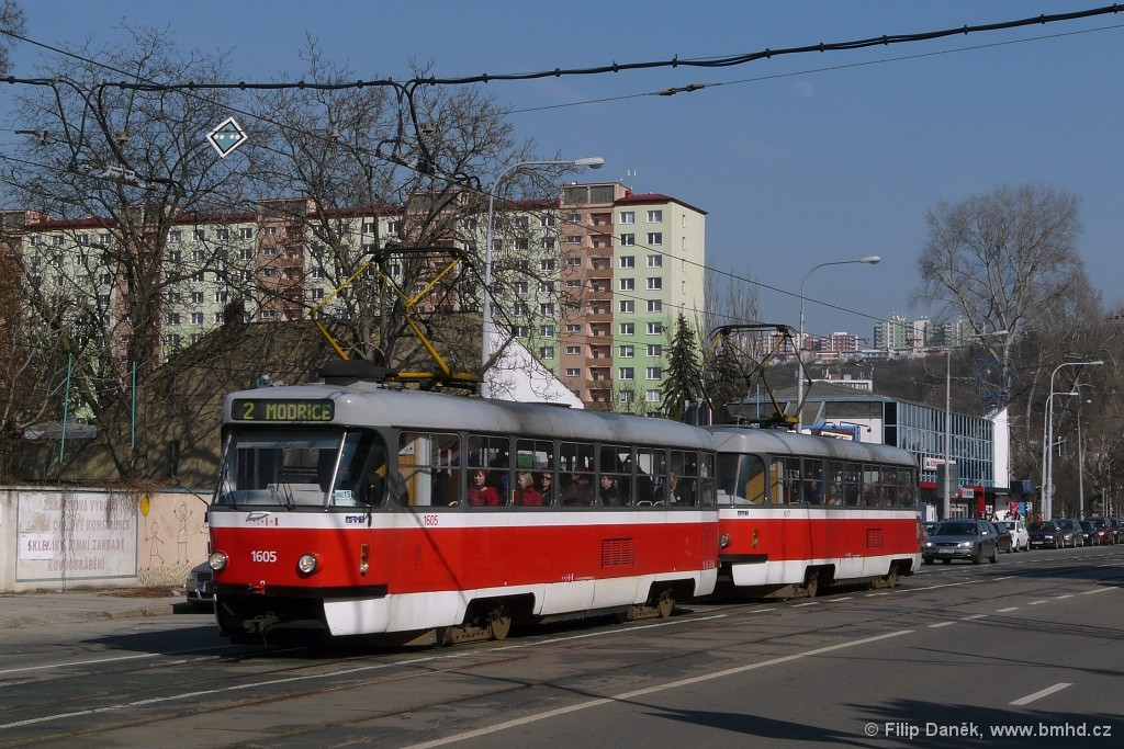 Fotogalerie » ČKD Tatra T3G 1605 | ČKD Tatra T3G 1617 | Brno | Židenice | Bubeníčkova