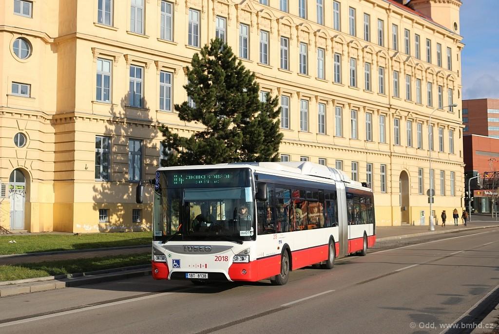 Fotogalerie » Iveco Urbanway 18M CNG 1BT 8138 2018   Brno   Trnitá   Opuštěná   Autobusové nádraží