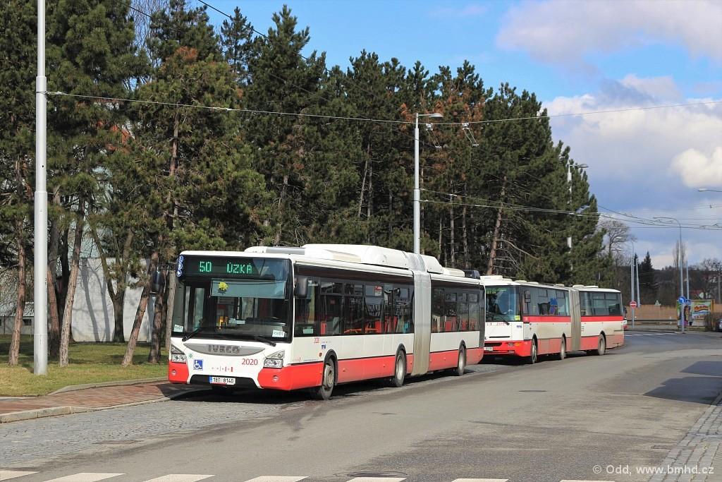 Fotogalerie » Iveco Urbanway 18M CNG 1BT 8140 2020 | Karosa B961E.1970 2B4 9319 2379 | Brno | Bystrc | náměstí 28. dubna | Zoologická zahrada