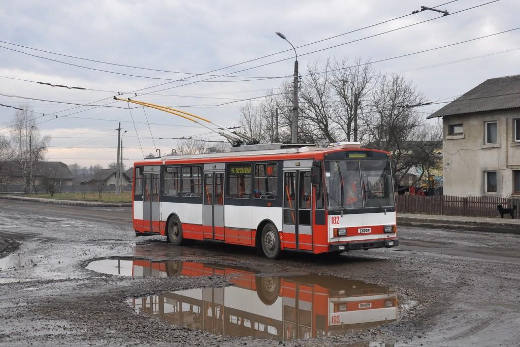 Fotogalerie » Škoda 14Tr10/6 182 | Mykytyntsi | Yunosti