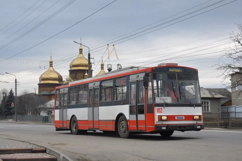 Fotogalerie » Škoda 14Tr10/6 182 | Yamnytsia | Yamnytsia