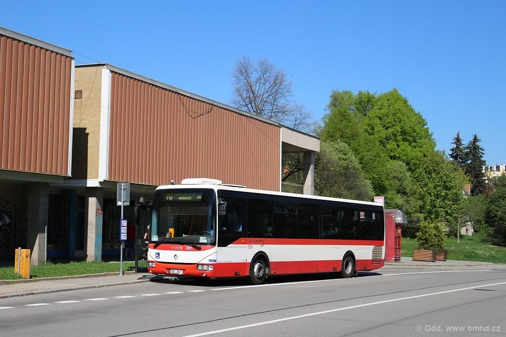 Fotogalerie » Irisbus Crossway LE 12M 7B3 3921 7811 | Brno | Řečkovice | Horácké náměstí