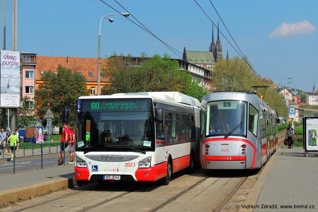 Fotogalerie » Iveco Urbanway 18M CNG 1BT 8143 2023 | Škoda 13T5 1925 | Brno | Staré Brno | Nové sady | Křídlovická