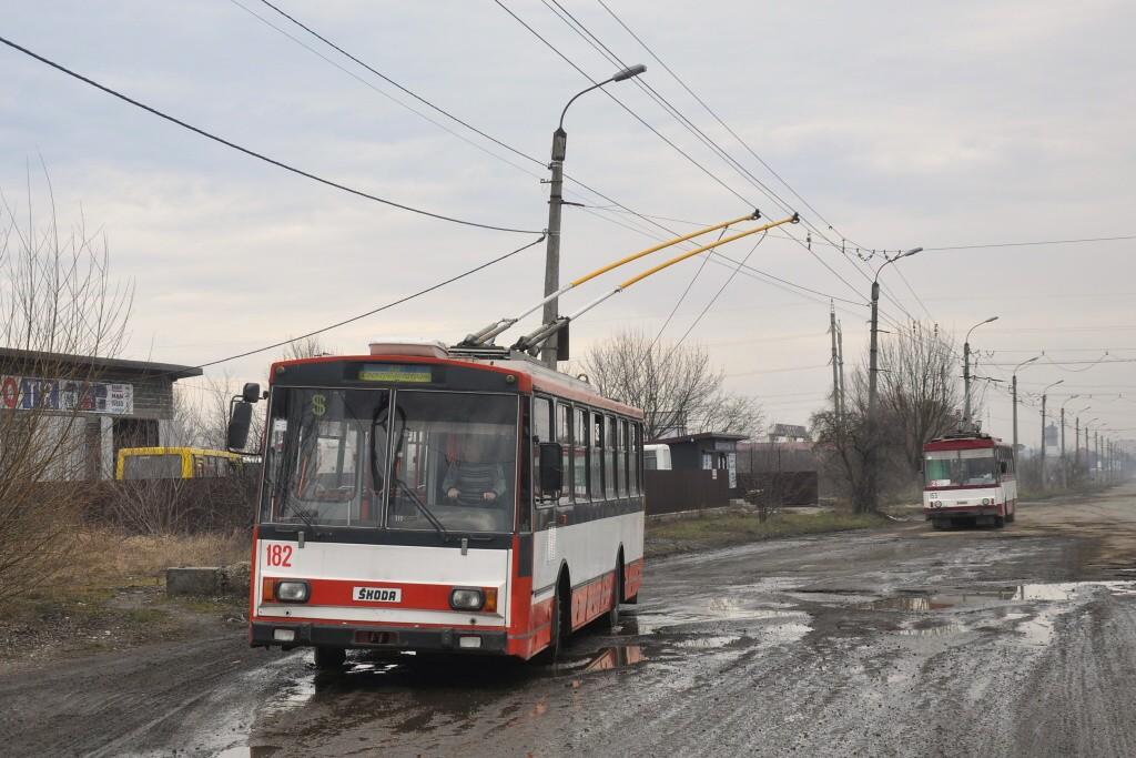 Fotogalerie » Škoda 14Tr10/6 182   Mykytyntsi   Yunosti