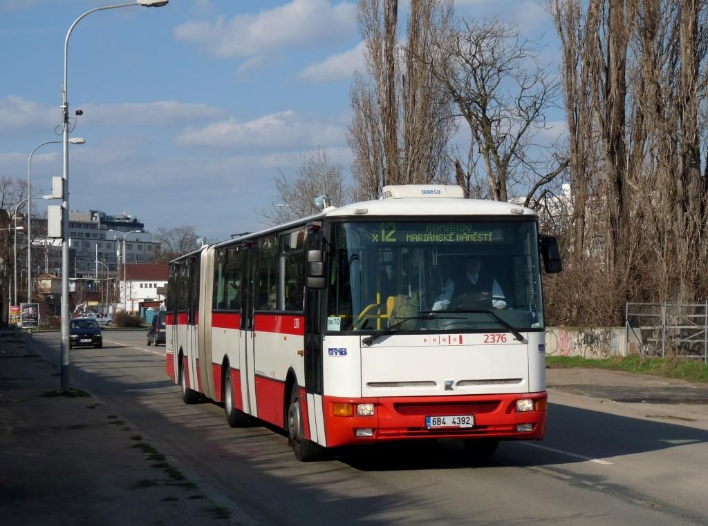 Fotogalerie » Karosa B961E.1970 6B4 4392 2376 | Brno | Trnitá | Uhelná