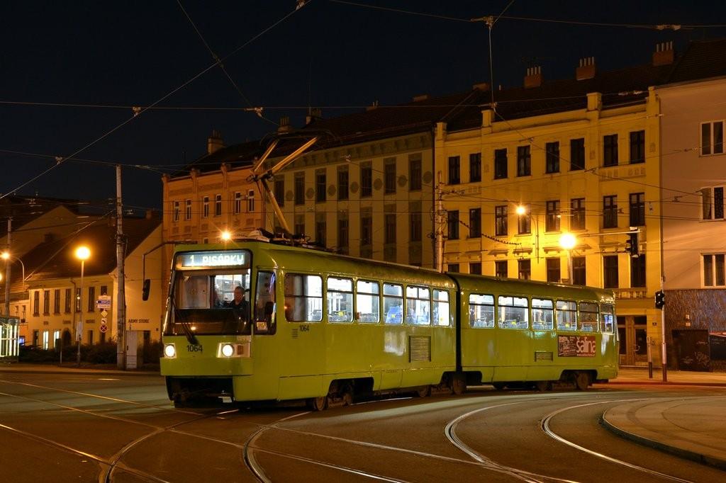 Fotogalerie » ČKD Tatra K2R 1064 | Brno | Staré Brno | Mendlovo náměstí | Mendlovo náměstí