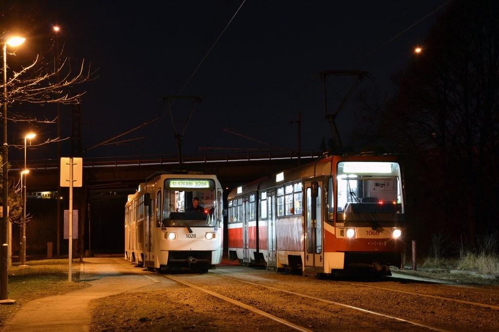 Fotogalerie » ČKD Tatra K2R 1066 | ČKD Tatra K2R 1028 | Brno | Slatina | Podstránská | Podstránská