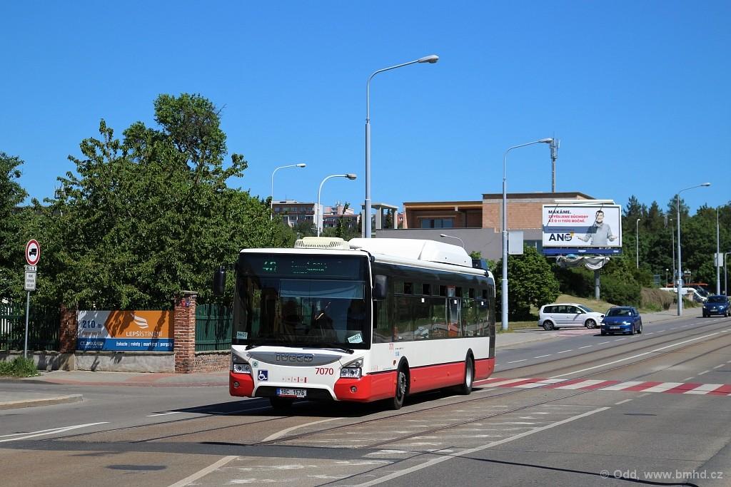 Fotogalerie » Iveco Urbanway 12M CNG 1BC 1576 7070 | Brno | Černá Pole | Merhautova