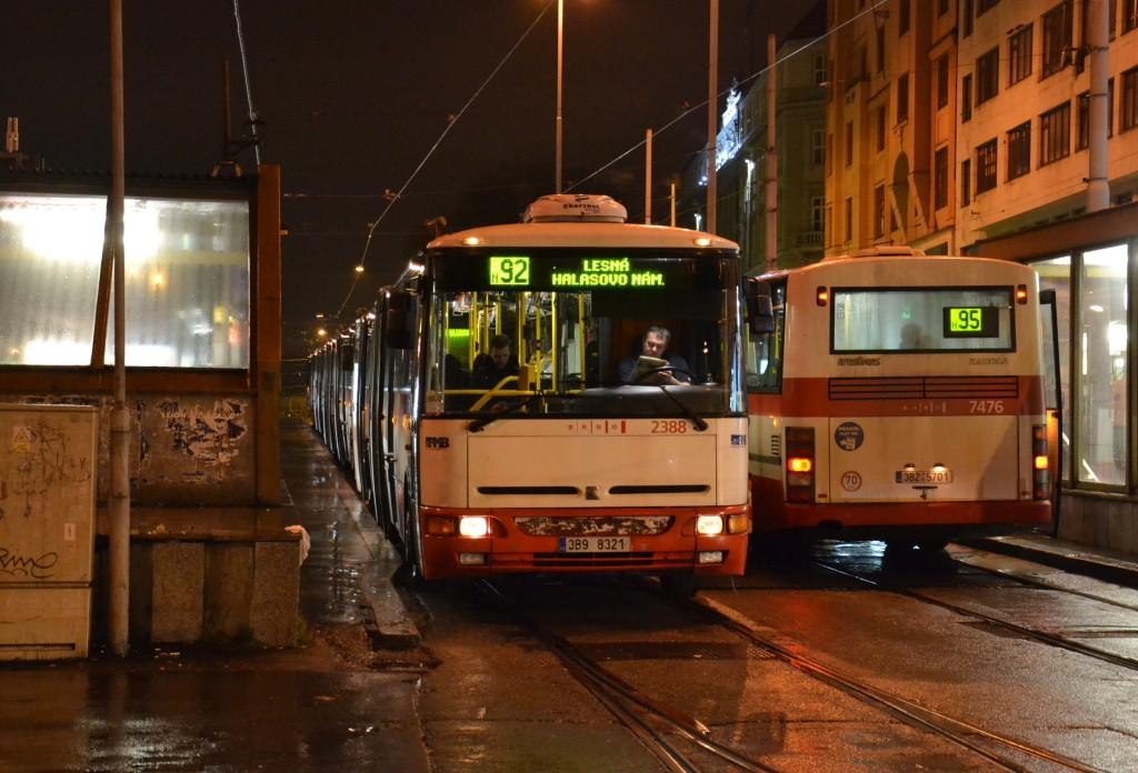 Fotogalerie » Karosa B961E.1970 3B9 8321 2388 | Karosa B951E.1713 3B2 5701 7476 | Brno | střed | Nádražní | Hlavní nádraží