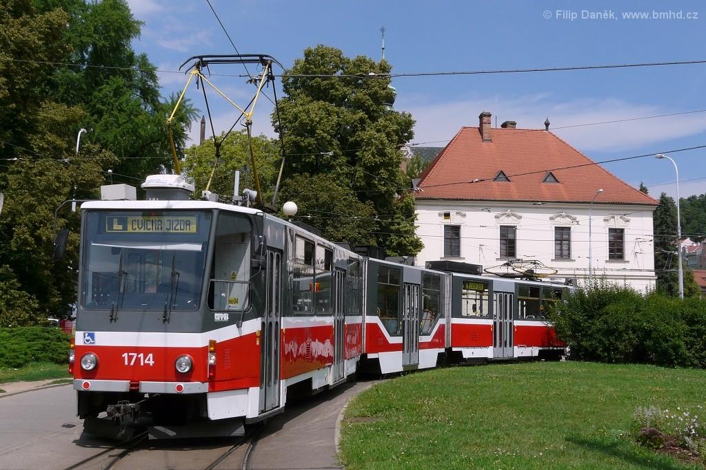 Fotogalerie » ČKD Tatra KT8D5R.N2 1714 | Brno | Staré Brno | Mendlovo náměstí | Mendlovo náměstí
