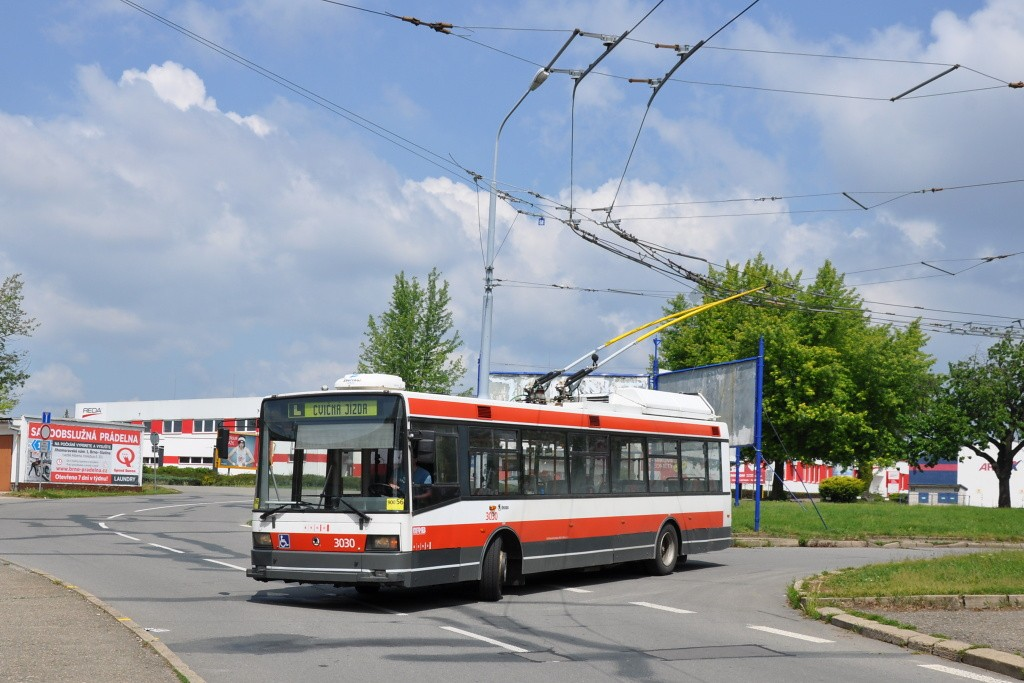 Fotogalerie » Škoda 21Tr 3030 | Brno | Slatina | Mikulčická | Slatina, sídliště