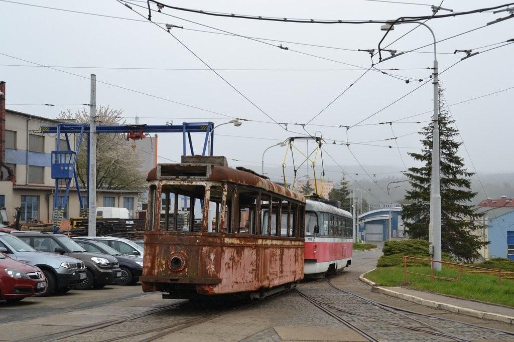 Fotogalerie » KPS Brno 4MT2 134 | ČKD Tatra T3M 1532 | Brno | vozovna Medlánky