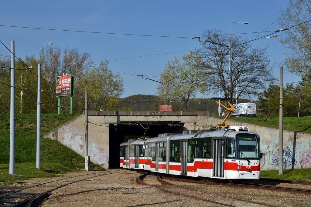 Fotogalerie » Pragoimex VarioLF2R.E 1090 | Pragoimex VarioLFR.E 1584 | Brno | Bystrc