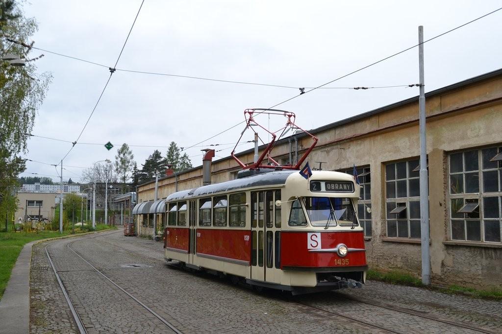 Fotogalerie » Tatra T2 1435   Brno   vozovna Medlánky