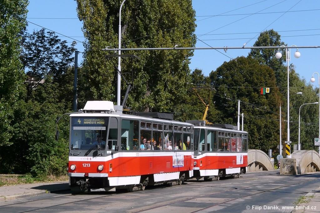 Fotogalerie » ČKD DS T6A5 1213 | ČKD DS T6A5 1214 | Brno | Husovice | Valchařská
