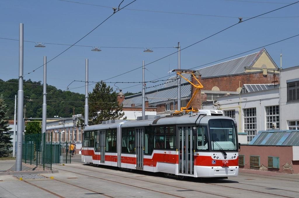 Fotogalerie » Pragoimex VarioLF2R.E 1126 | Brno | vozovna Pisárky