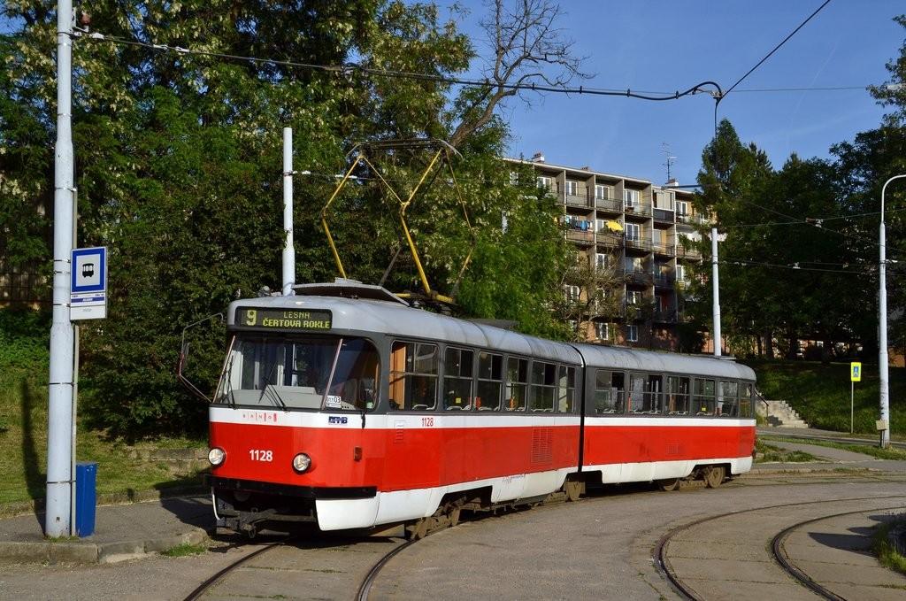 Fotogalerie » ČKD Tatra K2 1128 | Brno | Juliánov | Líšeňská | Juliánov, smyčka