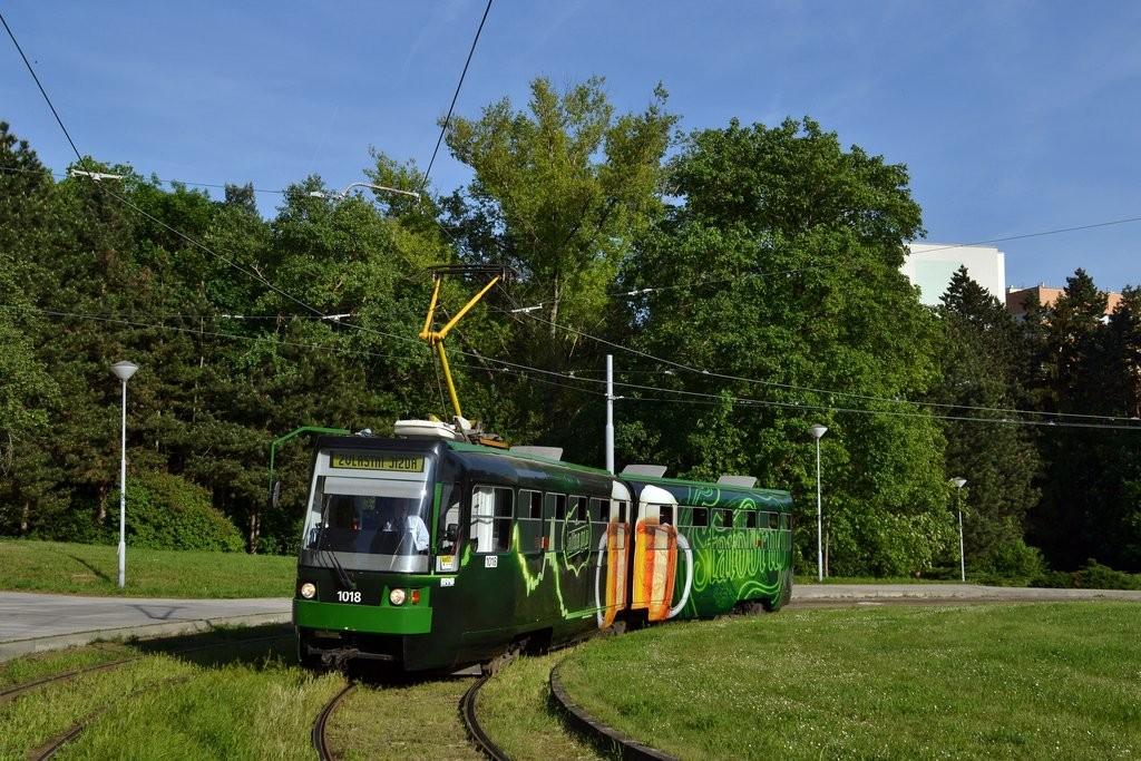 Fotogalerie » ČKD Tatra K2R-RT 1018 | Brno | Lesná | Čertova rokle
