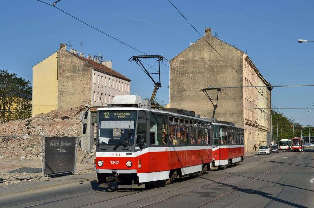 Fotogalerie » ČKD DS T6A5 1207 | ČKD DS T6A5 1208 | Brno | Trnitá | Dornych