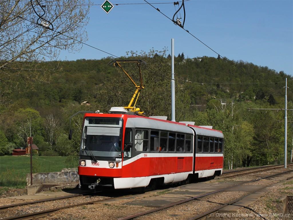 Fotogalerie » ČKD Tatra K2R 1066 | Brno | Bystrc | Obvodová