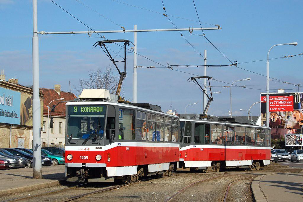 Fotogalerie » ČKD DS T6A5 1205 | ČKD DS T6A5 1206 | Brno | Komárov | Svatopetrská | Konopná