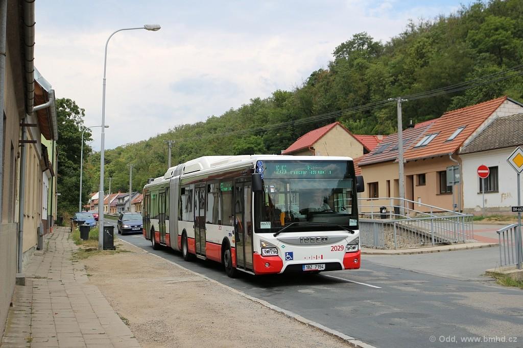 Fotogalerie » Iveco Urbanway 18M CNG 1BZ 7154 2029   Brno   Líšeň   Ondráčkova
