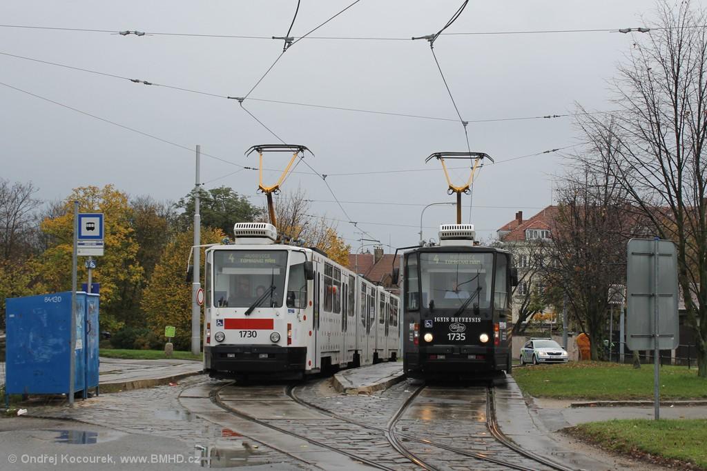 Fotogalerie » ČKD Tatra KT8D5N 1730   ČKD Tatra KT8D5N 1735   Brno   Masarykova čtvrť   Náměstí míru   Náměstí Míru, smyčka