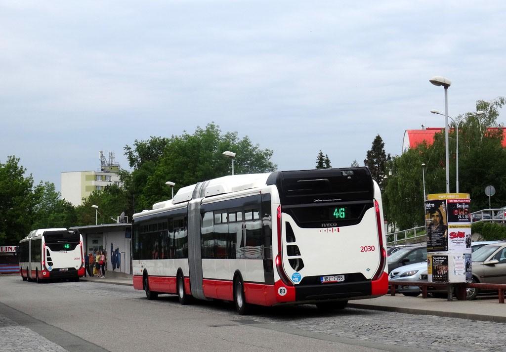 Fotogalerie » Iveco Urbanway 18M CNG 1BZ 7155 2030   Iveco Urbanway 18M CNG 1BT 8124 2004   Brno   Lesná   Okružní   Haškova