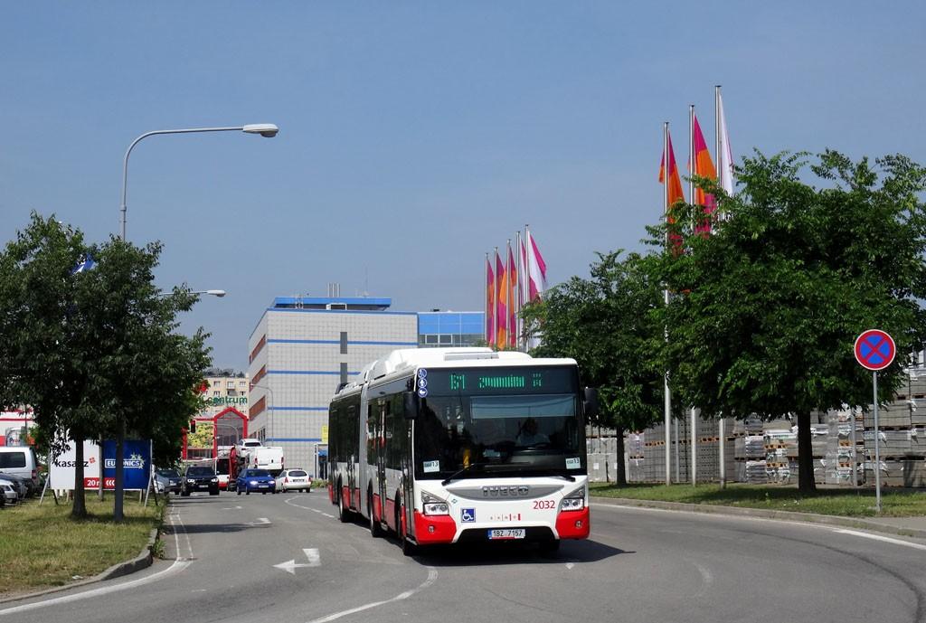 Fotogalerie » Iveco Urbanway 18M CNG 1BZ 7157 2032 | Brno | Štýřice | Bidláky