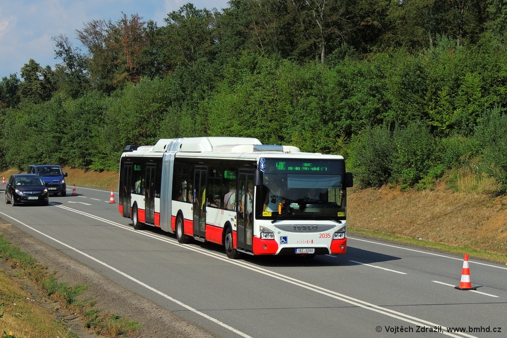 Fotogalerie » Iveco Urbanway 18M CNG 1BZ 9260 2035   Ostrovačice