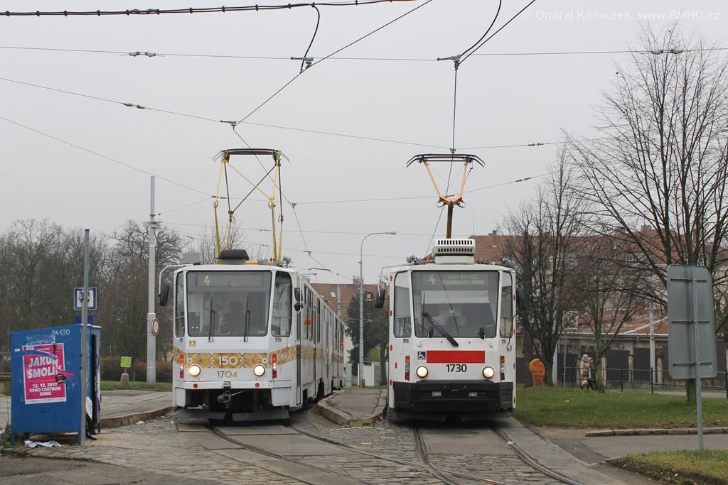 Fotogalerie » ČKD Tatra KT8D5R.N2 1704   ČKD Tatra KT8D5N 1730   Brno   Masarykova čtvrť   Náměstí míru   Náměstí Míru, smyčka