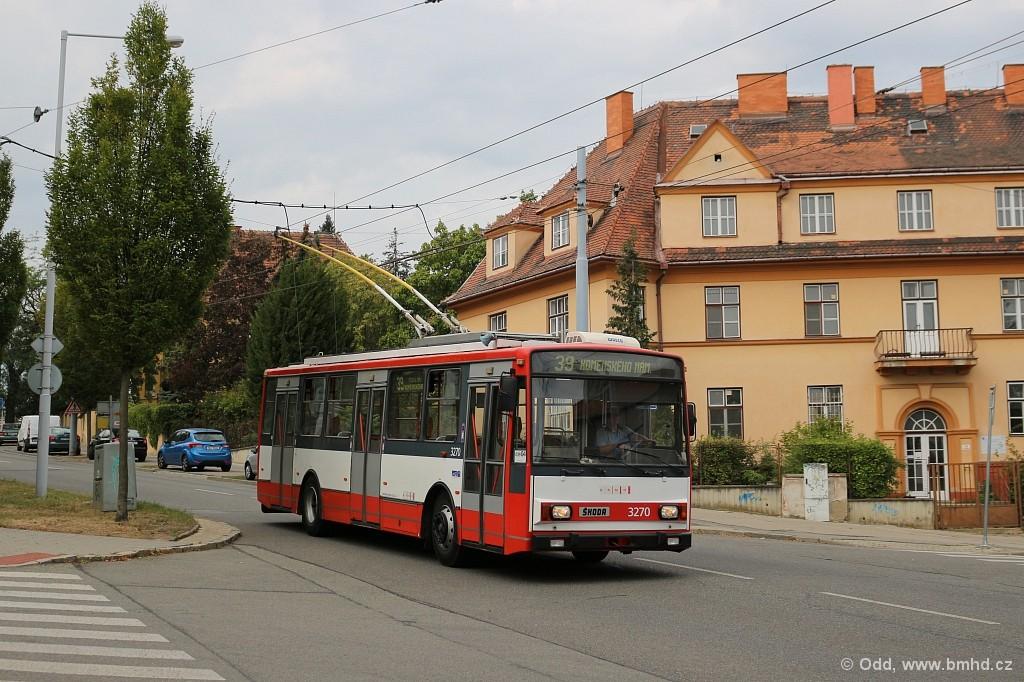 Fotogalerie » Škoda 14Tr17/6M 3270   Brno   Masarykova čtvrť   Tvrdého