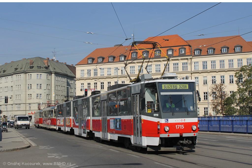 Fotogalerie » ČKD Tatra KT8D5R.N2 1715 | Tatra T2 1435 | ČKD Tatra T3 1525 | Brno | Štýřice | Vídeňská