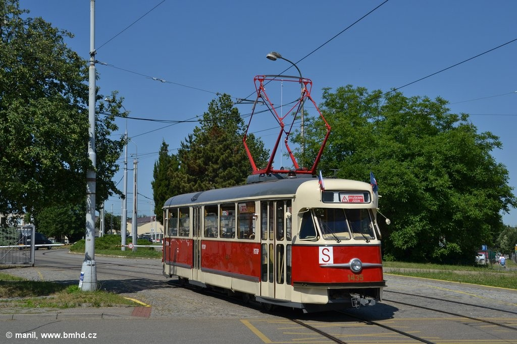 Fotogalerie » Tatra T2 1435 | Brno | Medlánky | Hudcova | Vozovna Medlánky