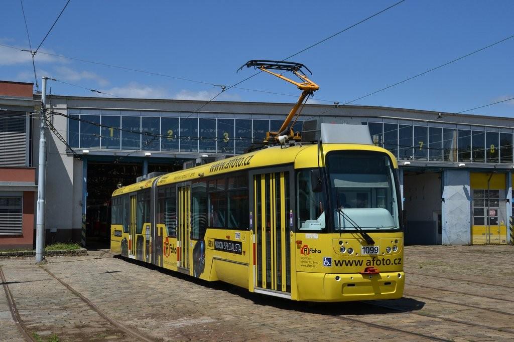 Fotogalerie » Pragoimex VarioLF2R.E 1099 | Brno | vozovna Pisárky